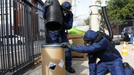 Agent manipule ventilation TICs